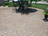 Paver patios outlast concrete patios and offer years of beauty